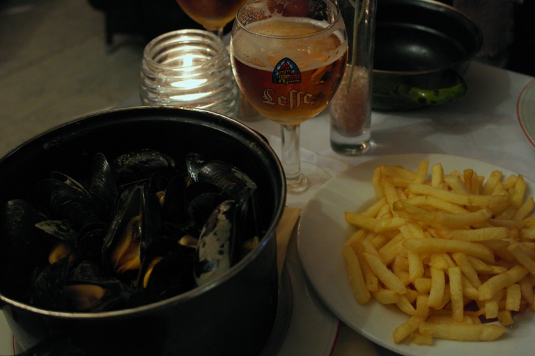 Dove mangiare a Bruges - cozze e patatine